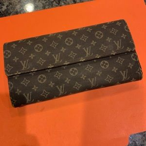 Louis Vuitton Mini Lin Sarah Wallet